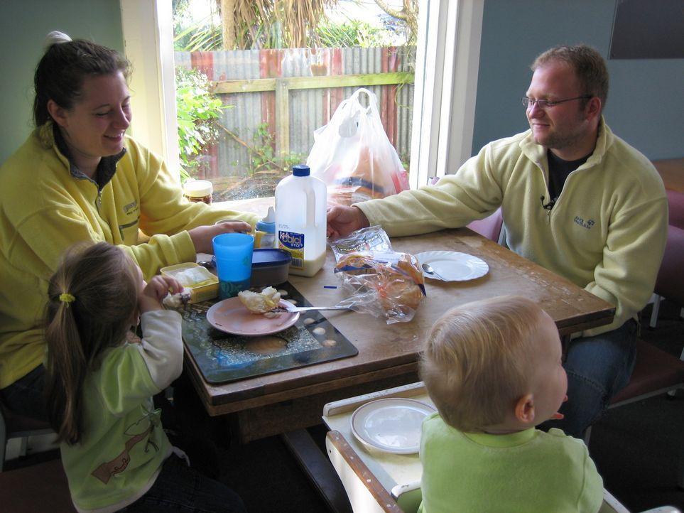 Leben in Neuseeland! Der große Traum von Genia (28) und Dirk (27) Kohrt aus Berlin. Die 4-köpfige Familie wagt den großen Schritt auf die südlic... - Bildquelle: kabel eins