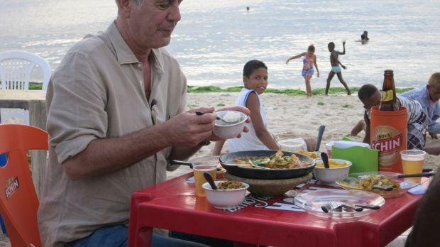 In Brasilien besucht Anthony Bourdain einige der besten Restaurants und nimmt...