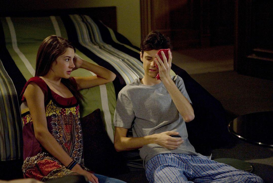 Amy (Shailene Woodley, l.) kann sich wirklich glücklich schätzen, dass sie so einen tollen Freund wie Ben (Kenny Baumann, r.) hat... - Bildquelle: ABC Family