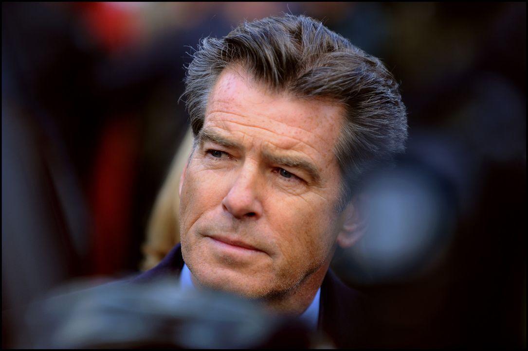 Der frühere britische Premierminister Adam Lang (Pierce Brosnan) ist wegen seiner Rolle im Irakkrieg unter Druck geraten. Er wird angeklagt Terrorv... - Bildquelle: Kinowelt GmbH