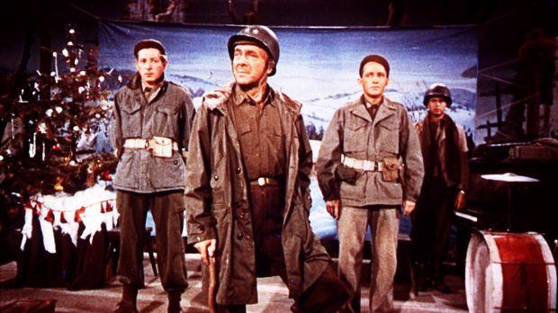 Um ihren früheren Divisions-Kommandeur General Waverly (Dean Jagger, M.) vor...