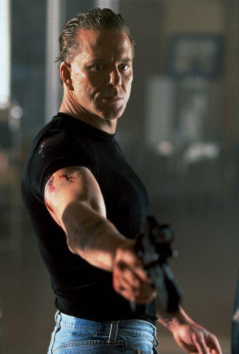 Hat mit Jack Quinn noch eine Rechnung offen: Der skrupellose Top-Terrorist Stavros (Mickey Rourke) ... - Bildquelle: Columbia TriStar