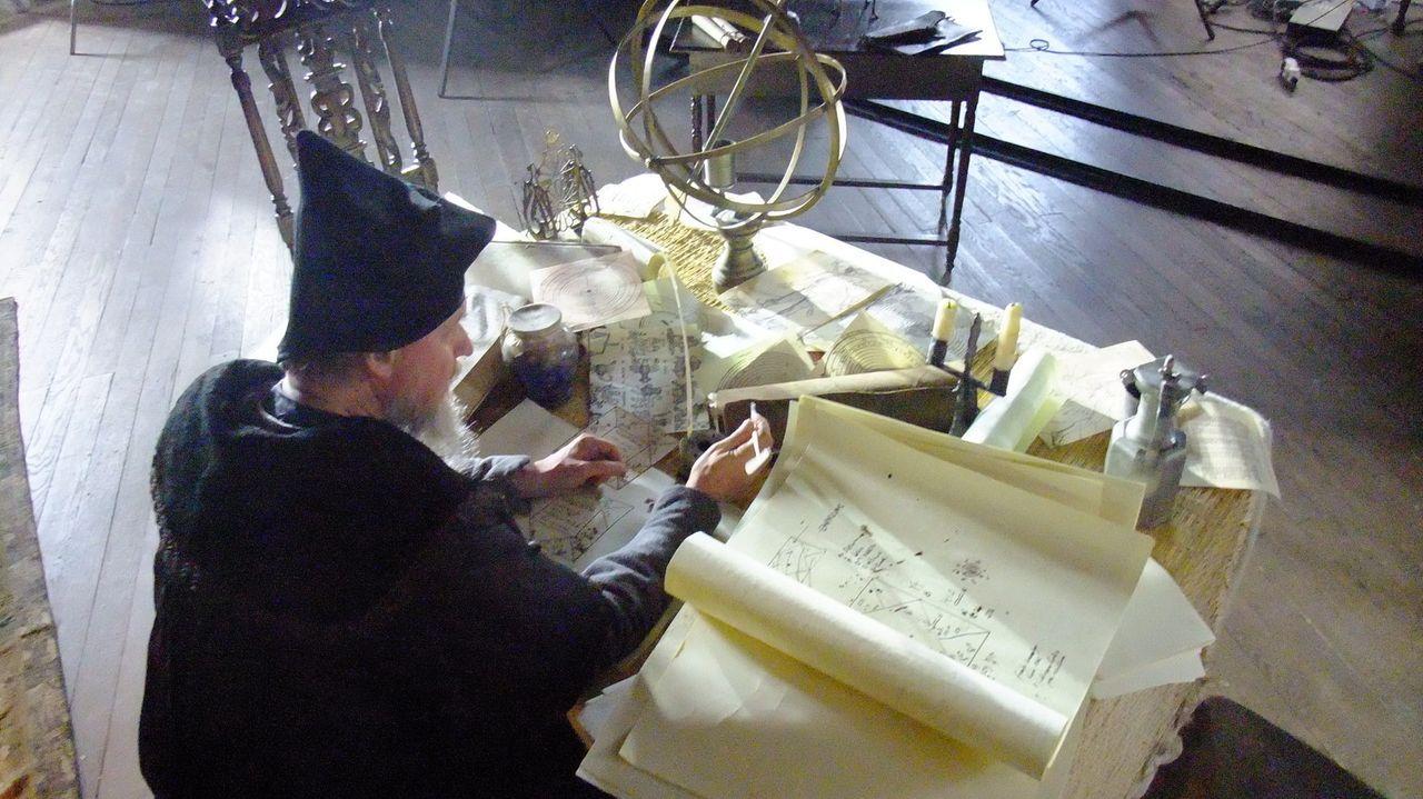 Schon zu Lebzeiten verdiente Nostradamus sein Geld mit astrologischen Ratschlägen und Vorhersagen, doch bis heute hält eines seiner Werke die Welt i... - Bildquelle: Parthenon Entertainment Limited