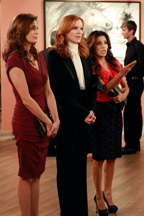 Stehen vor einem großen Problem: Susan (Teri Hatcher, l.), Bree (Marcia Cross, M.) und Gabrielle (Eva Longoria, r.) ... - Bildquelle: ABC Studios