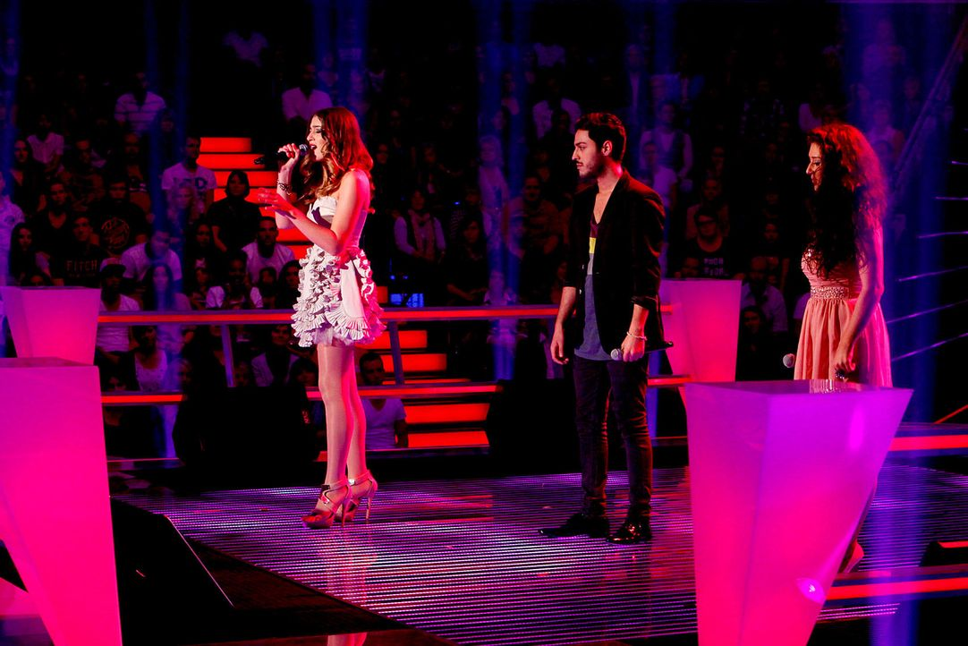 battle-iveta-vs-omid-vs-mari-12-the-voice-of-germany-richard-huebnerjpg 1700 x 1134 - Bildquelle: SAT.1/ProSieben/Richard Hübner