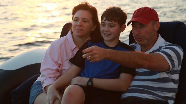 Peggy (l.), Don (r.) und ihr Sohn wollen endlich ein eigenes Strandhaus an ih...