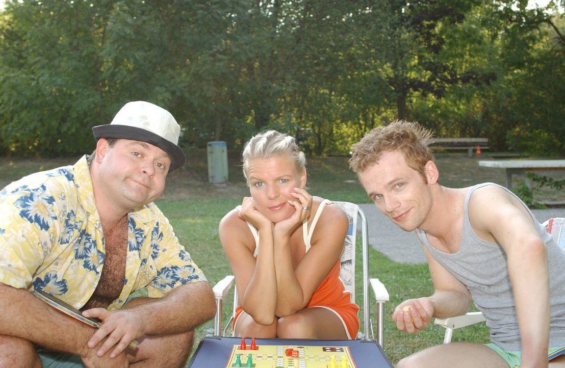 """Sommerspaß mit """"DIE DREISTEN DREI - DIE COMEDY WG"""" mit (v.l.n.r.) Markus Majowski, Mirja Boes, Ralf Schmitz - Bildquelle: Sat.1"""