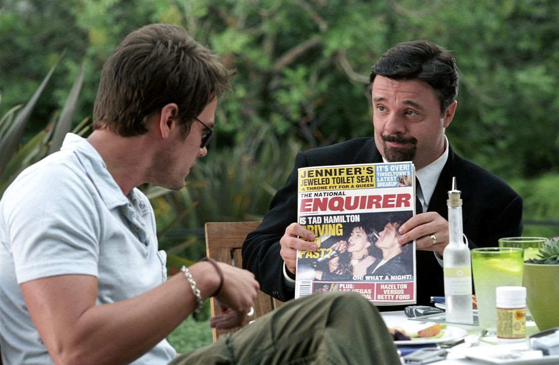 Tad Hamilton (Josh Duhamel, l.), ein angesagter Filmstar in Hollywood, hat mit schwerwiegenden Imageproblemen zu kämpfen - auf der Leinwand stets de... - Bildquelle: 2004 DreamWorks LLC. All Rights Reserved.