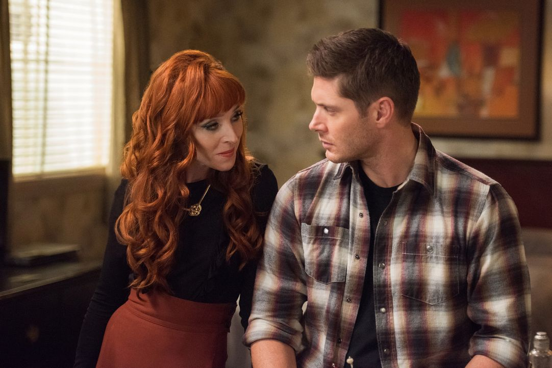 Rowena (Ruth Connell, l.); Dean (Jensen Ackles, r.) - Bildquelle: Dean Buscher 2016 The CW Network, LLC. All Rights Reserved/Dean Buscher