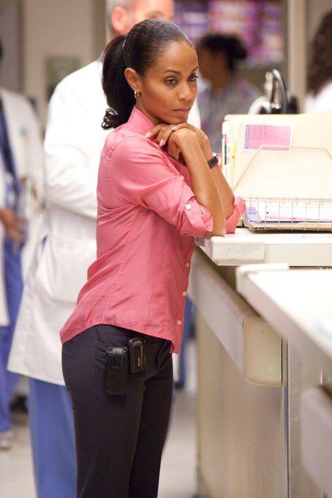 Fordert einen sofortigen operativen Eingriff bei einer ihrer Patientinnen, doch da diese drogensüchtig ist, verweigern die Ärzte jegliche OP: Chri... - Bildquelle: Sony 2009 CPT Holdings, Inc. All Rights Reserved