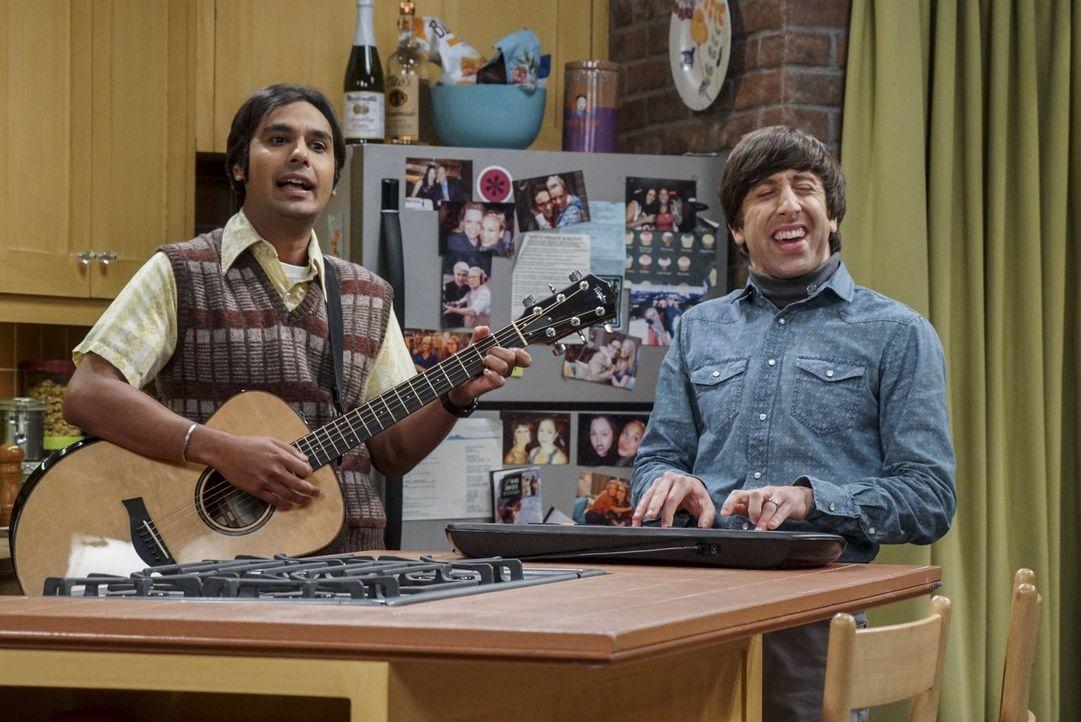"""Hier spielt die Musik: Zur Unterstützung der YouTube-Serie """"Fun with Flags"""" legen sich Raj (Kunal Nayyar, l.) und Howard (Simon Helberg, r.) musikal... - Bildquelle: 2016 Warner Brothers"""