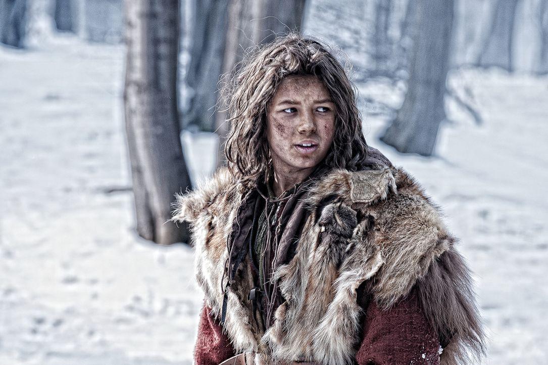 In der Obhut von Conans (Leo Howard) Vater Corin vermutet der grausame Warlord Khalar Zym das letzte Bruchstück der Maske von Acheron. Weil Corin au... - Bildquelle: Nu Image Films