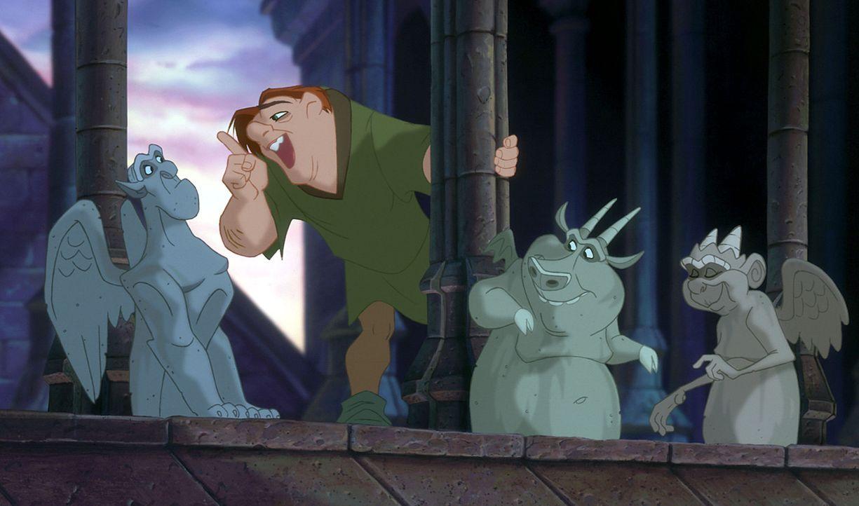 Einsam fristet der bucklige Quasimodo sein Leben im Glockenturm der Kathedrale Notre-Dame, bis ihn eines Tages seine Freunde überreden, sich in das... - Bildquelle: The Walt Disney Company