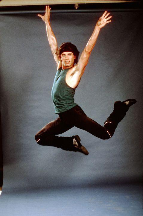 Seit fünf Jahren lebt der frühere Disco-King Brooklyns, Tony Manero (John Travolta), nun schon in Manhattan, und immer noch wartet er auf seine groß... - Bildquelle: Paramount Pictures