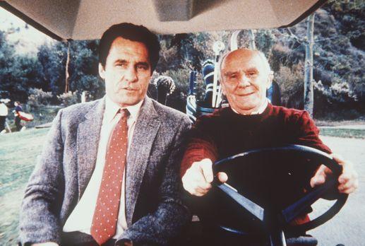 Agentin mit Herz - Weathers (Douglas Seale, r.) und Lieutenant Trask (Beau St...
