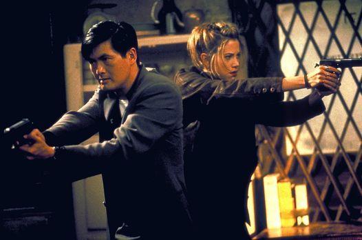 The Replacement Killers - Ein starkes Team: John Lee (Chow Yun-Fat, l.) und M...