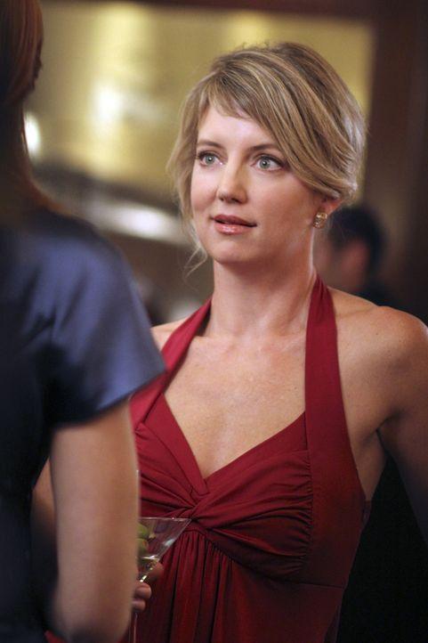 Während Gabrielle mutig versucht Carmen und Grace vor der Abschiebung zu schützen, wird der romantische Abend von Bree und Keith von Tracy Miller (C... - Bildquelle: ABC Studios