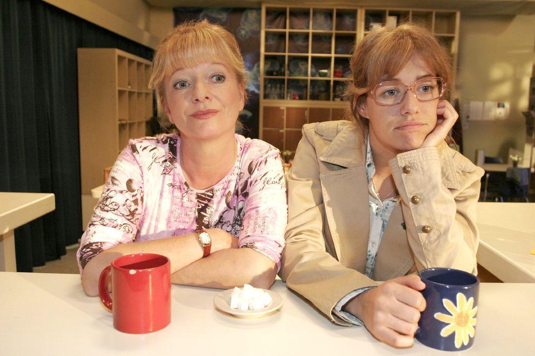 Lisa (Alexandra Neldel, r.) redet mit ihrer Mutter (Ulrike Mai, l.) über ihre Hoffnungen und Wünsche. - (Dieses Foto von Alexandra Neldel darf nur i... - Bildquelle: Noreen Flynn Sat.1