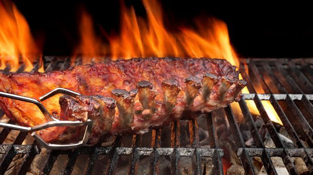 Kalbs Spareribs Gasgrill : Spareribs grillen video anleitung kabel eins