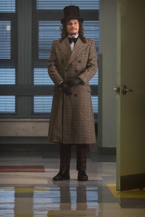 Treibt sein Unwesen in Gotham City: Jervis (Benedict Samuel) ... - Bildquelle: Warner Brothers