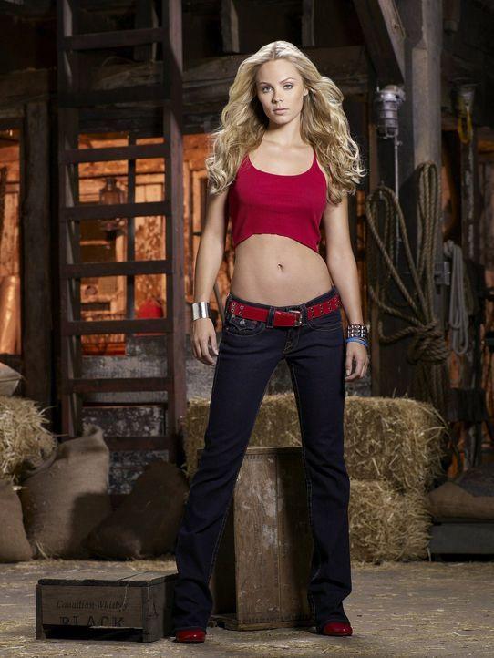 Die Kryptonierin Kara (Laura Vandervoort) ist Clarks Cousine und tut sich sehr schwer mit den Regeln der Erde ... - Bildquelle: Warner Bros.