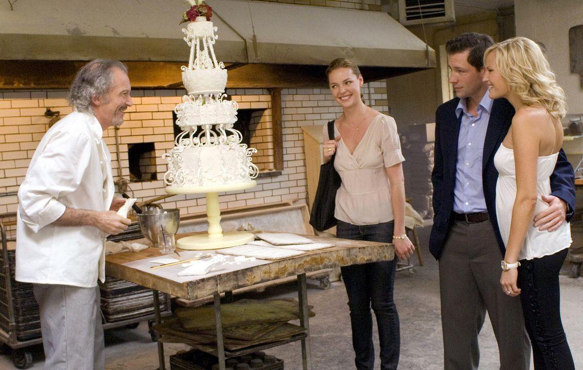 Noch ist Jane (Katherine Heigl, 2.v.l.) überzeugt davon, dass sie eine perfekte Hochzeit für ihre kleine Schwester Tess (Malin Akerman, r.) und ih... - Bildquelle: Twentieth Century Fox Film Corporation