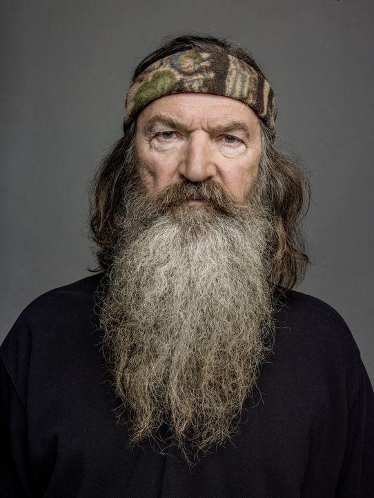 Phil (Phil Robertson) bringt seiner Enkelin das Tontauben schießen bei ... - Bildquelle: Jim Fiscus 2012 A+E Networks