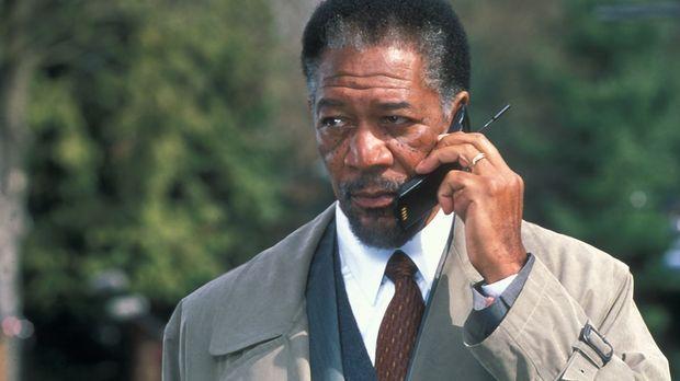 Im Laufe der Ermittlungen erkennt Dr. Alex Cross (Morgan Freeman), dass der K...
