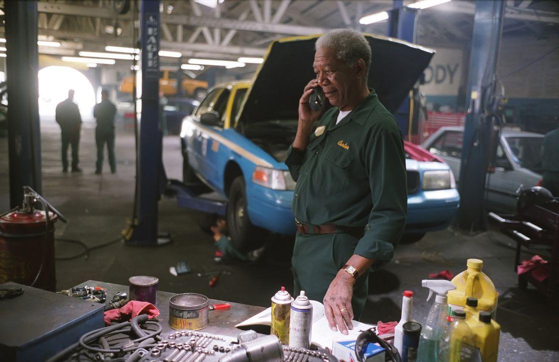 Zwischen dem Großunternehmer Edward Cole und dem Mechaniker Carter Chambers (Morgan Freeman) liegen Welten. Am Scheideweg ihres Lebens teilen sie s... - Bildquelle: TM and   2007 Warner Bros. Entertainment Inc. All Rights Reserved.
