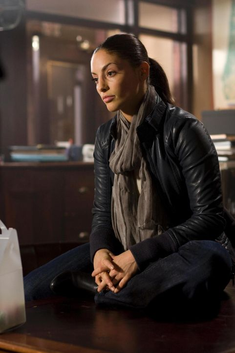 Während Allison und Fargo mit der neuen Parallelgegenwart sehr gut zurechtkommen, haben Carter und Jo (Erica Cerra) mit ihren Gefühlen zu kämpfen ..... - Bildquelle: Universal Television