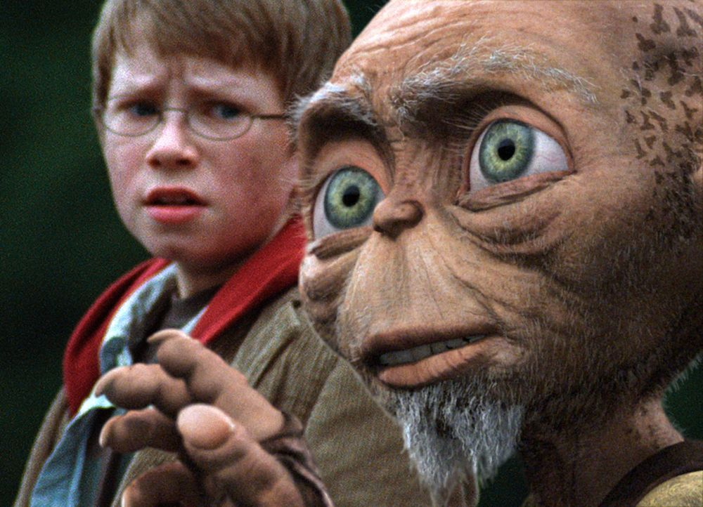 In letzter Minute kann Oki den kleinen Tim (Lukas Schust) aus der Hand der brutalen Schatzsucher retten ... - Bildquelle: SAT.1