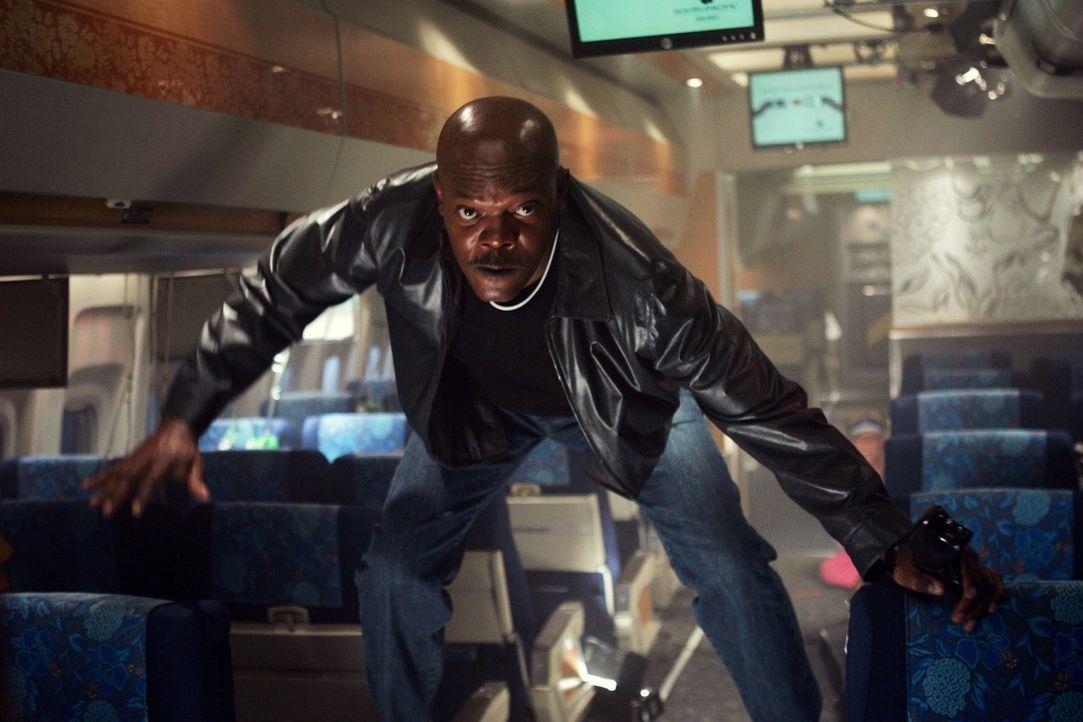 Wettlauf gegen die Zeit: Wird es FBI-Agent Neville Flynn (Samuel L. Jackson) gelingen, die Situation an Bord der Passagiermaschine in den Griff zu b... - Bildquelle: Warner Brothers