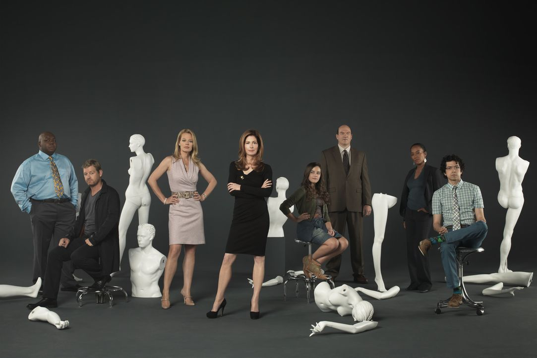 (2. Staffel) - Body of Proof: Ethan (Geoffrey Arend, r.), Curtis (Windell D. Middlebrooks, l.), Kate (Jeri Ryan, 3.v.l.), Megan (Dana Delany, 4.v.l.... - Bildquelle: ABC Studios