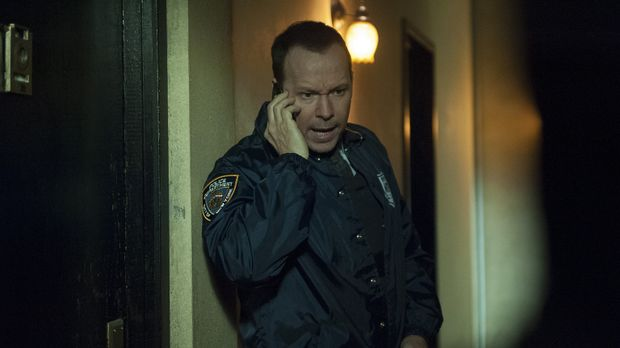 Danny (Donnie Wahlberg) versucht die Entführung mehrerer serbischer Frauen au...
