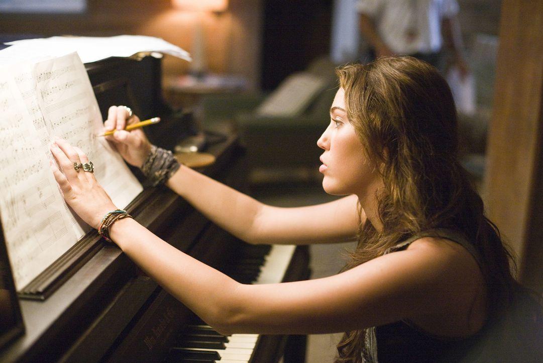 Steve ist ziemlich unglücklich darüber, dass seine begabte Tochter seit der Scheidung nie wieder ein Klavier angefasst hat. Dabei könnte Ronnie (Mil... - Bildquelle: Sam Emerson SMPSP Touchstone Pictures.  All Rights Reserved