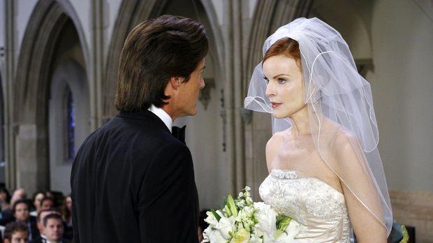 Während der Hochzeitszeremonie kommen Bree (Marcia Cross, r.) doch Zweifel un...