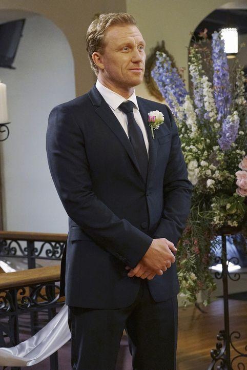 Alex hat sich von Jo getrennt, nachdem sie seinen Heiratsantrag abgelehnt hat - doch er ahnt nicht, was dahinter steckt, während Owen (Kevin McKidd)... - Bildquelle: Byron Cohen ABC Studios