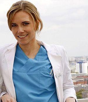 klinik-am-alex-interview-jana-voosen-300-400-Mosch-Sat1