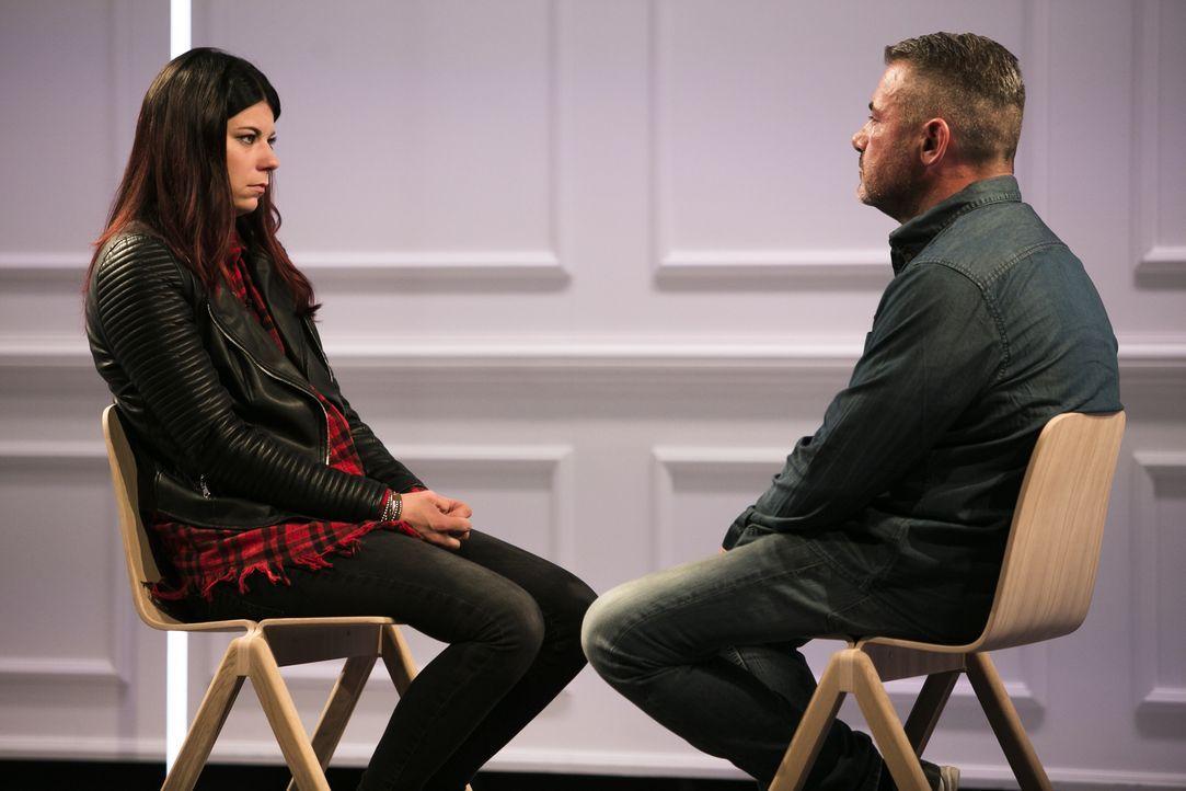 Werden Chantal (l.) und ihr Stiefvater Antonio (r.) wieder zueinanderfinden können und Frieden schließen? - Bildquelle: Benedikt Müller SAT.1
