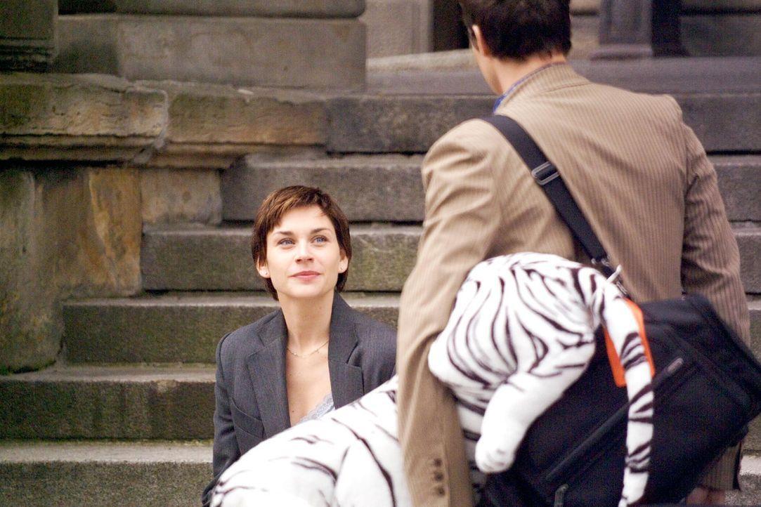 Pola (Christiane Paul, l.) und Felix (Marc Hosemann, r.) haben Schwierigkeiten miteinander, trennen sich und orientieren sich neu ... - Bildquelle: Senator Entertainment AG