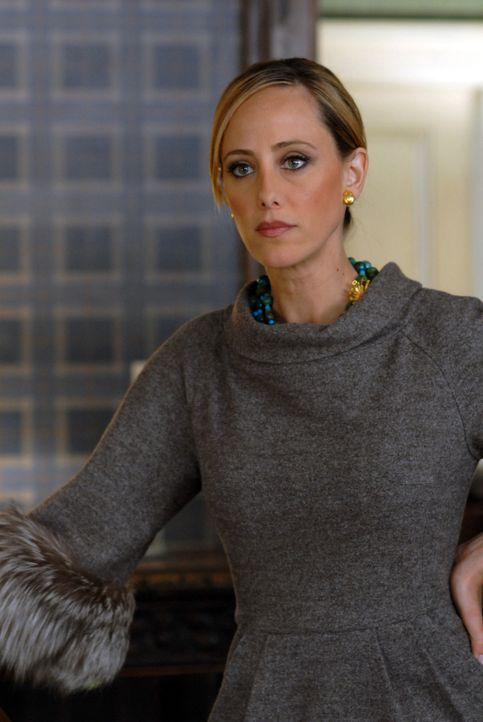 Nico (Kim Raver) versucht, die Stelle der Chefredakteurin zu ergattern. Dafür kämpft sie mit allen Mitteln ... - Bildquelle: 2004 NBC, Inc.