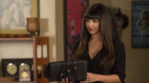 Cece (Hannah Simone) ist nicht die Einzige, die vom Besuch von Jess`s Schwest...