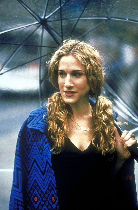 Carrie (Sarah Jessica Parker) stellt sich die Frage, ob man verdammt ist, immer wieder auf die selben Männer hereinzufallen ... und trifft sich prom... - Bildquelle: 2001 Paramount Pictures