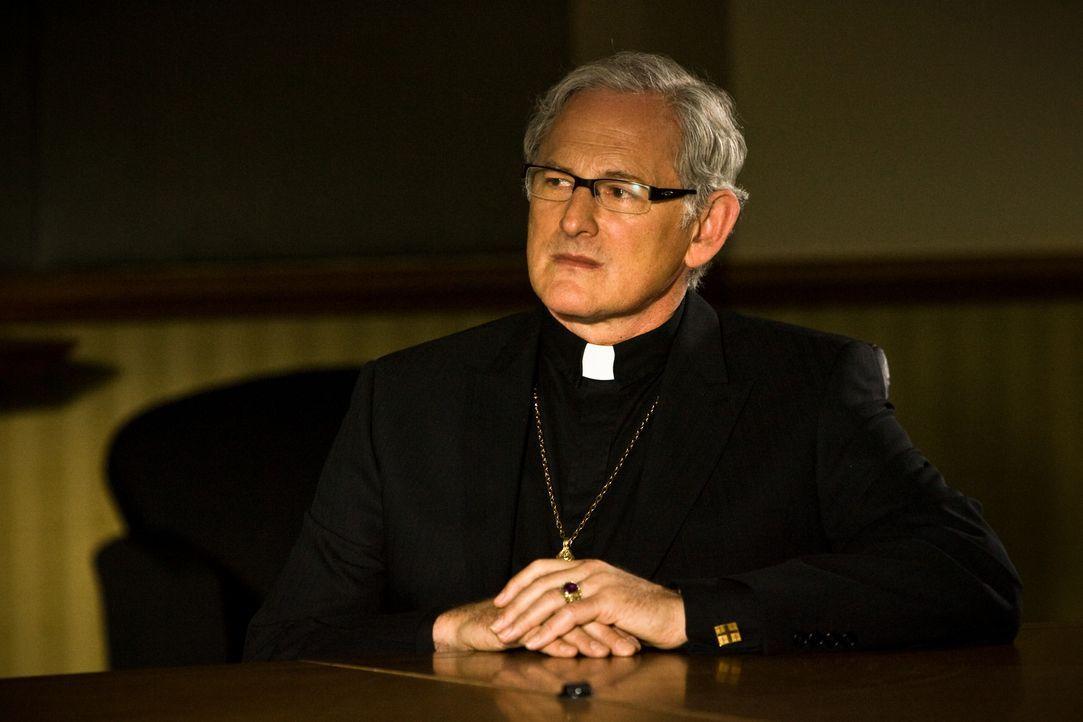 Weiß genau, was die Tempelritter-Aktion zu bedeuten hat: Monsignor De Angelis (Victor Garber), dem christliche Nächstenliebe eher fern liegt ... - Bildquelle: 2008 Templar Productions (Muse) Inc. All Rights Reserved