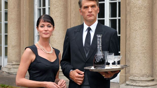 Der Butler und seine Prinzessin: Fabian (Walter Sittler, r.), der klassische...
