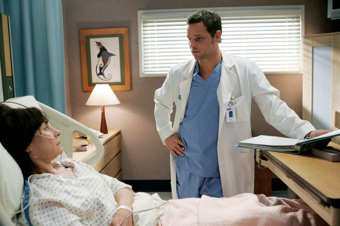 Alex (Justin Chambers, r.) sagt seiner Patientin Beatrice Carver (Laurie Metcalf, l.) schonungslos die Wahrheit ... - Bildquelle: Touchstone Television