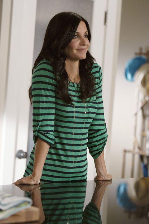 Erhält Besuch von ihrem Vater, worüber sie allerdings nicht wirklich erfreut ist: Jules (Courteney Cox) ... - Bildquelle: 2010 ABC INC.