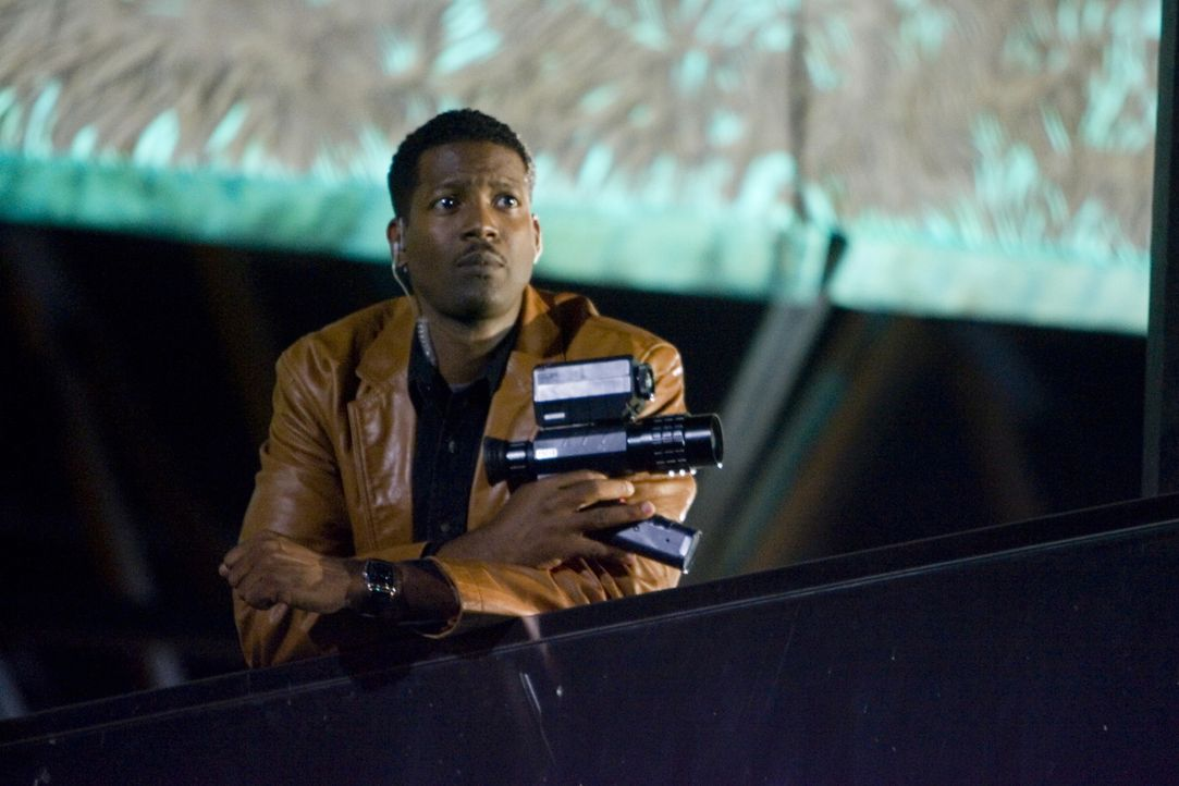 Wird es David (Corey Reynolds) und dem Team gelingen, einen abtrünnigen CIA Agenten auffliegen zu lassen? - Bildquelle: Warner Brothers