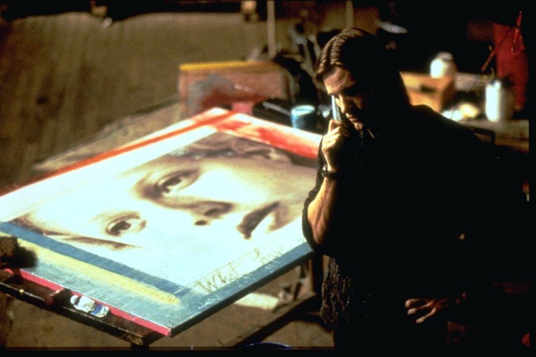 Bekommt ein unmoralisches Angebot, das er nicht ablehnen kann: David Shaw (Viggo Mortensen) ... - Bildquelle: Warner Brothers International Television Distribution Inc.