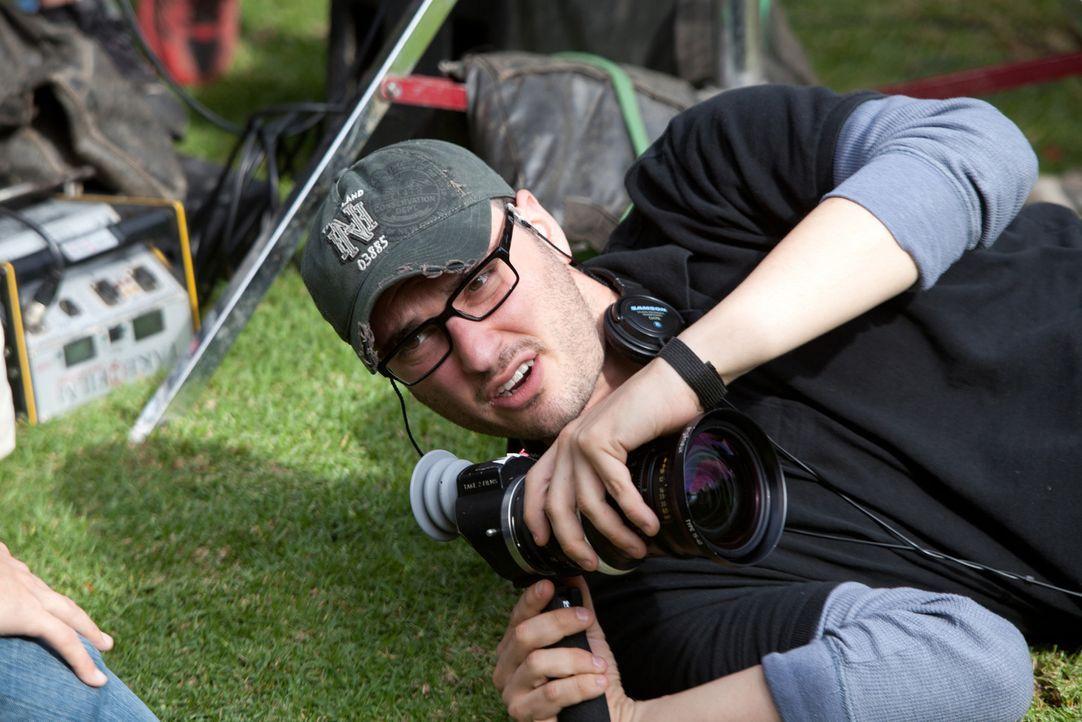 Regisseur Josh Trank zeigt vollen Körpereinsatz ... - Bildquelle: TM and   2012 Twentieth Century Fox Film Corporation.  All rights reserved.  Not for sale or duplication.